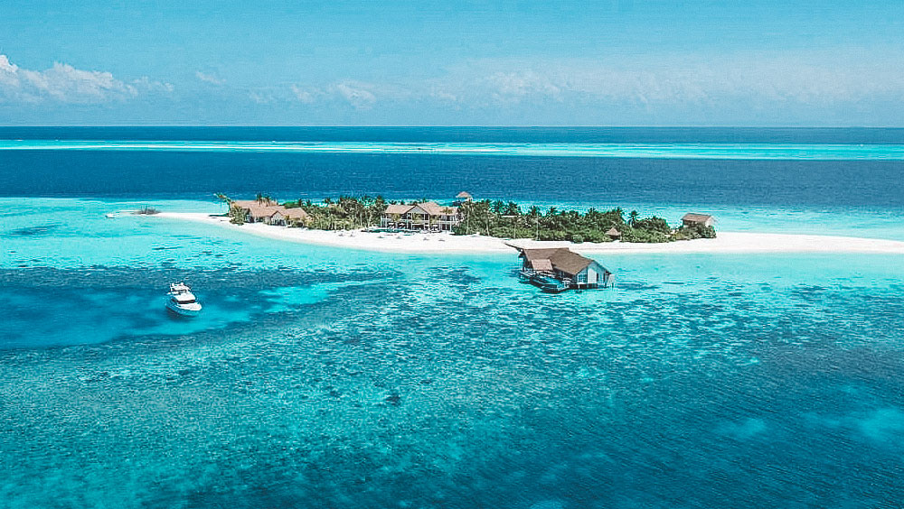 Luxury Experiences   Four Seasons Maldives, Voavah, Private Island