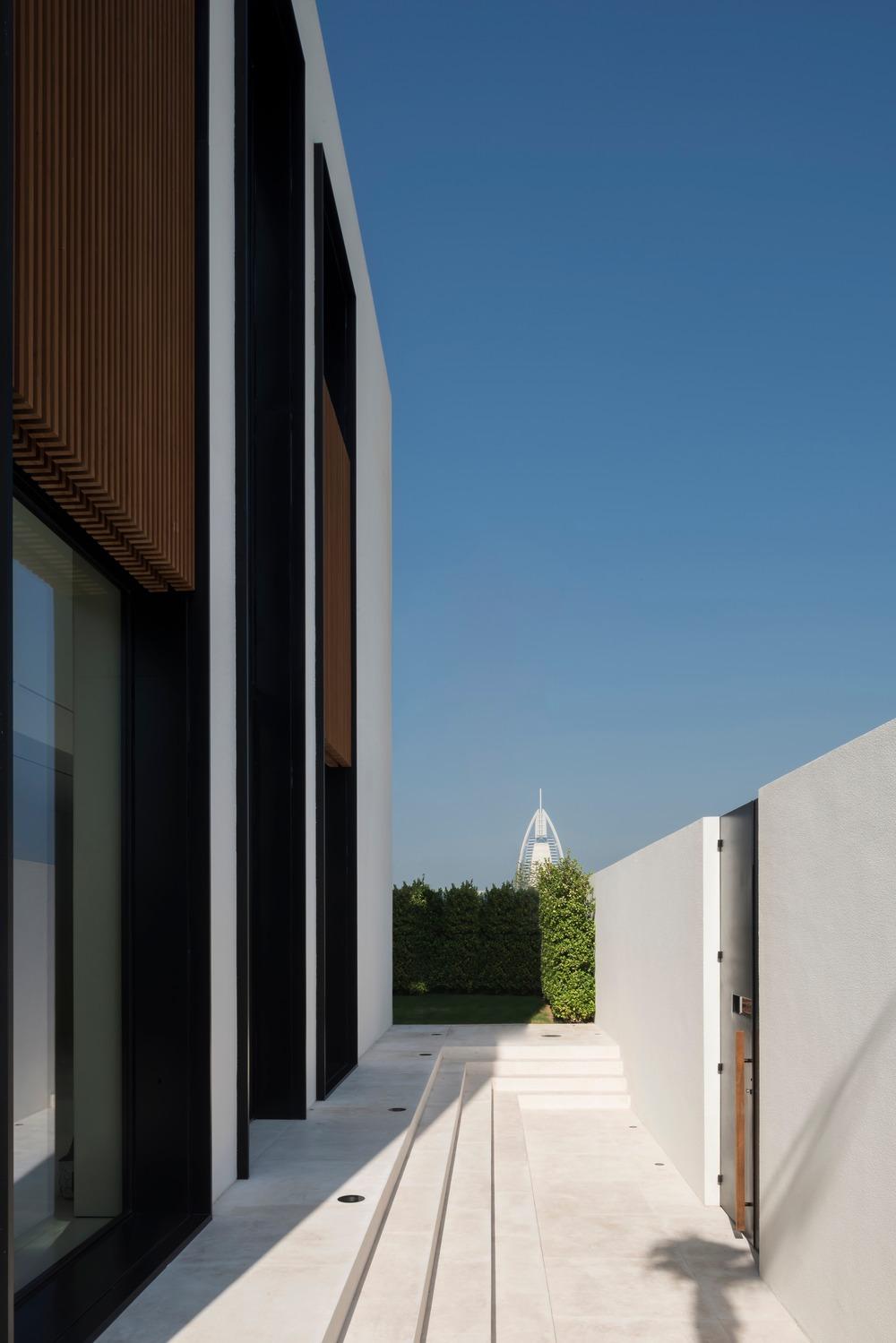 The Burj Residence Dubai by VSHD Design