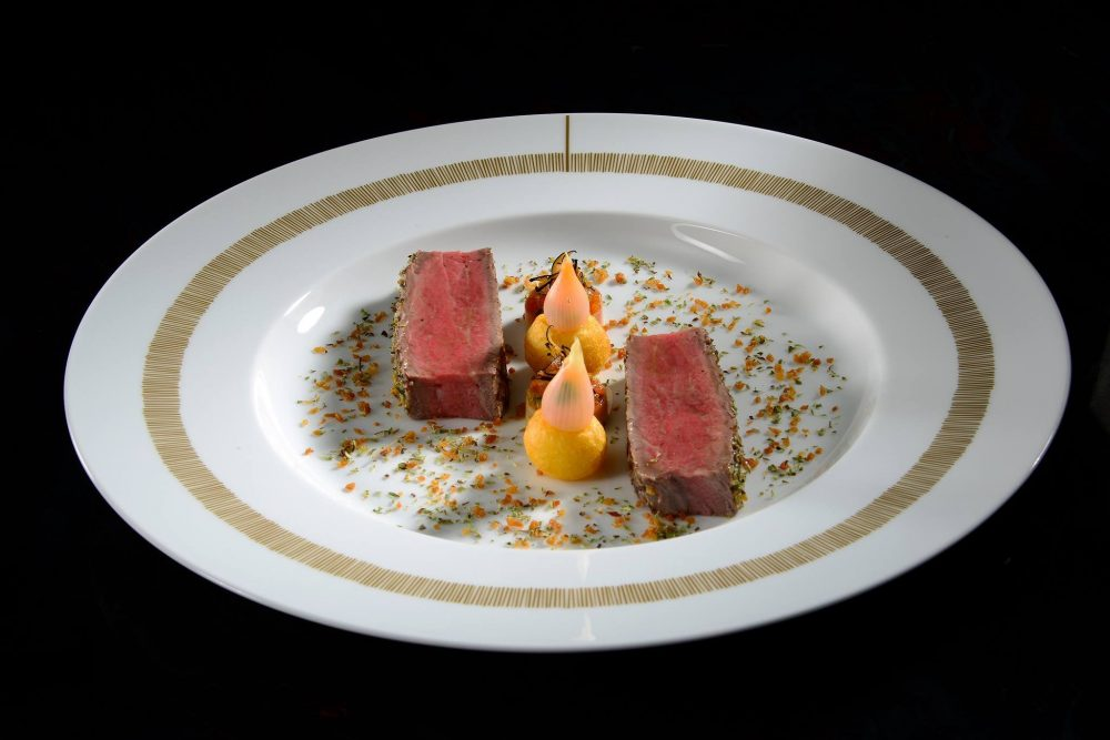 Restaurant de l'Hôtel de Ville Crissier, Switzerland by Franck Giovanni