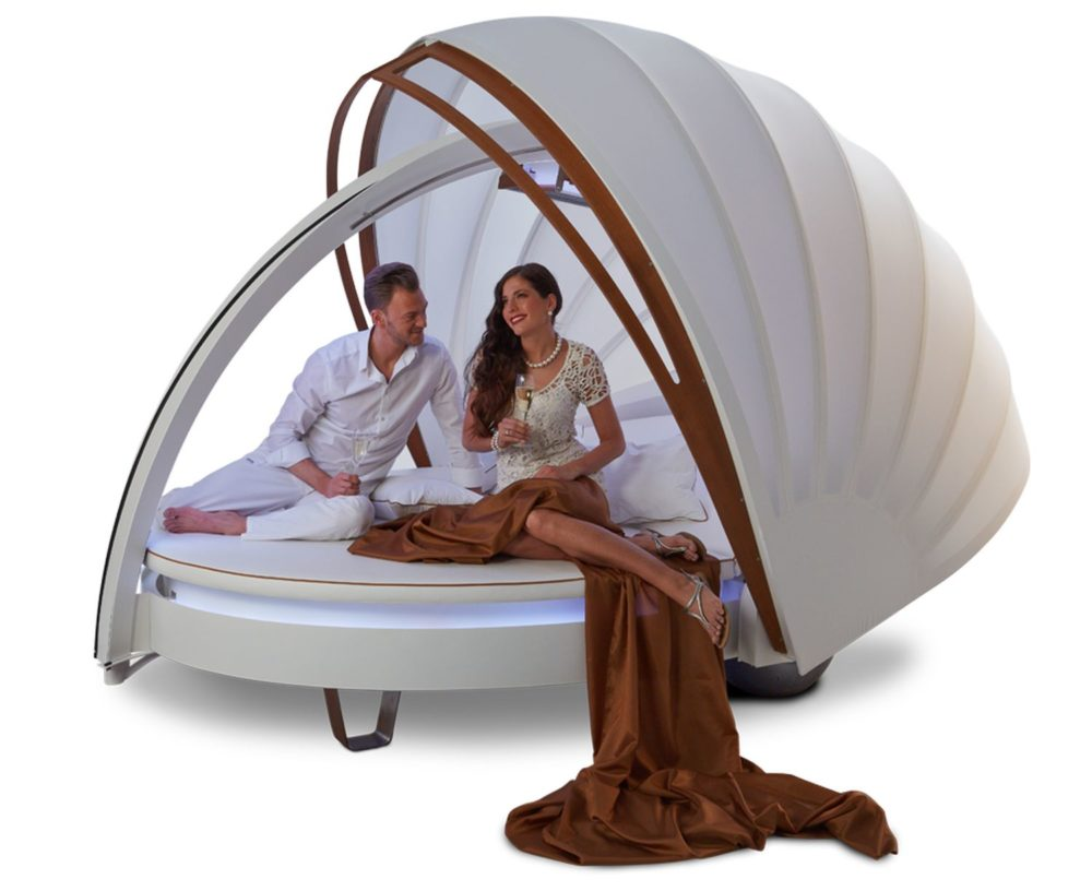 Delfin Wellness CocoOne, first-class cocooning lounge—a fantastic invitation to get some rest