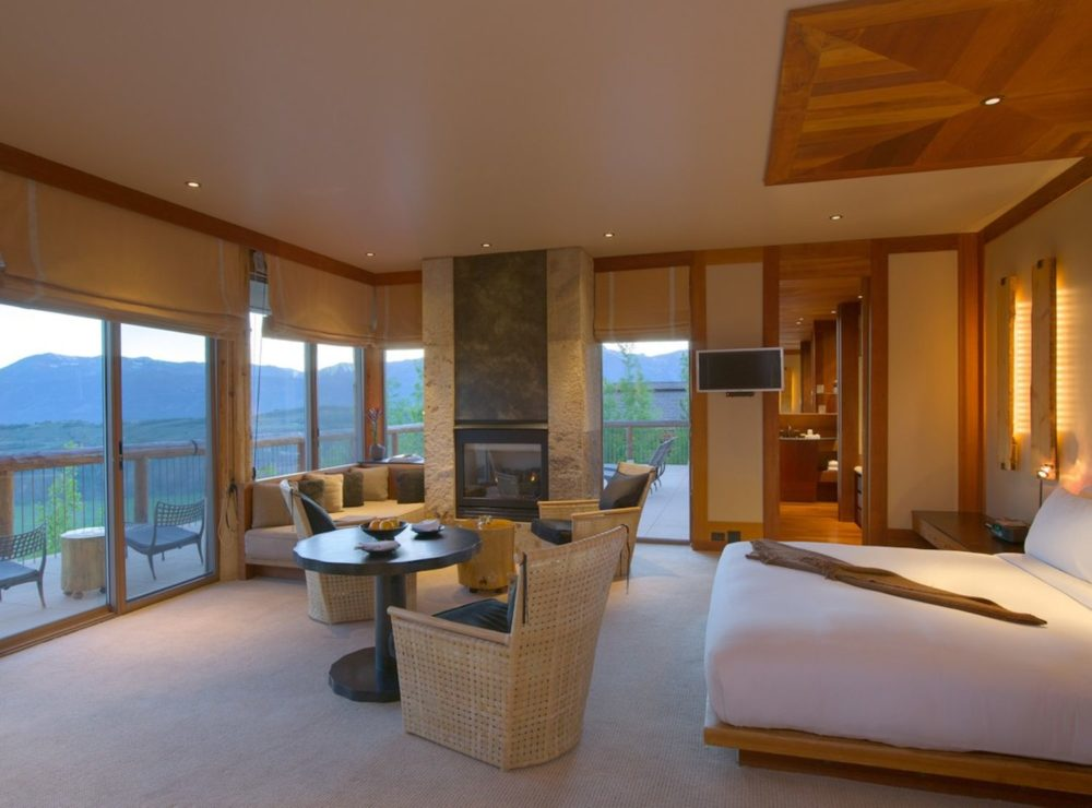 Amangani, Jackson Hole, immerse yourself in nature with year-round wildlife experiences